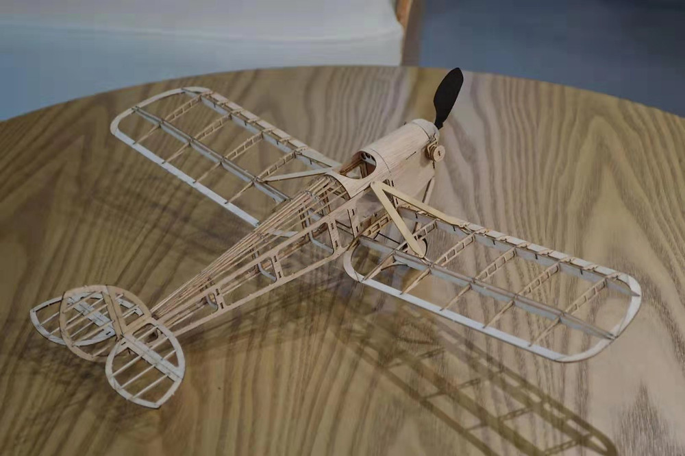 humming bird modellflugzeug, slow flyer bausatz, micro modellflugzeug, slow flyer selber bauen,Micro, mini flugzeug bausatz balsa,lasercut flugzeugmodelle,rc doppeldecker bausatz,laser cut balsa holz kit,