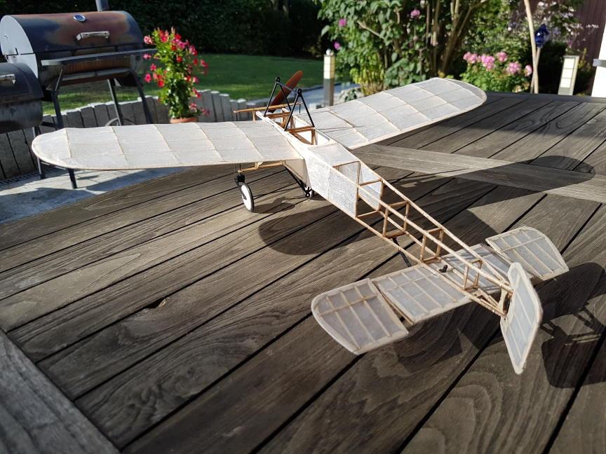 Micro, mini holzbaukasten,balsabausatz,holzbausatz,lasercut bausatz,modellflugzeug bausatz,