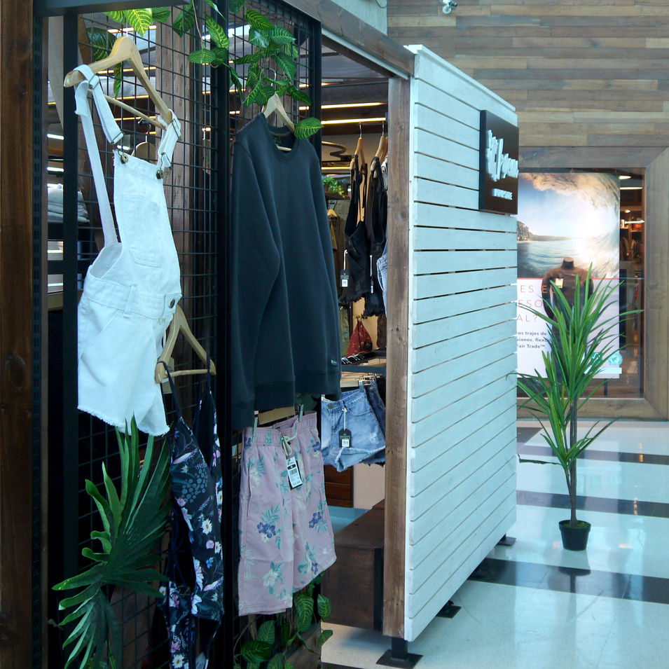 Tienda Froens - Pop Up - Mall Sport.