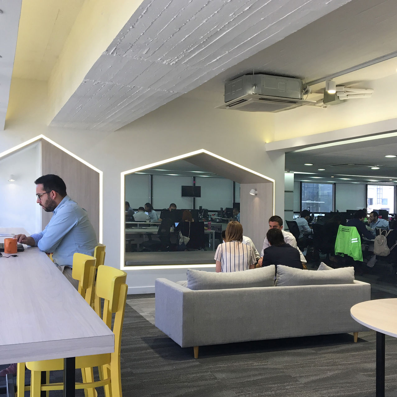 VIAJES FALABELLA | Working lounge.