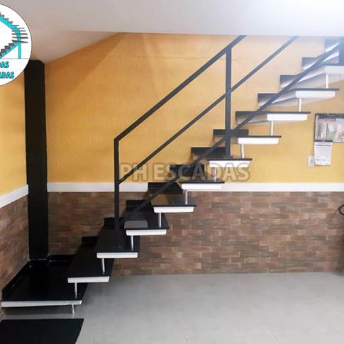 Escada L de 80cm com Patamar