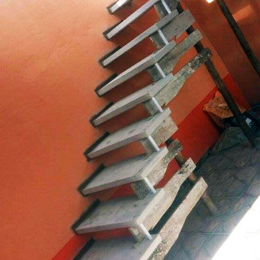 Escada em Reta