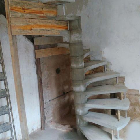 Escada em J