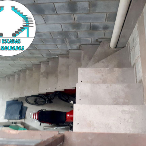 Escada em L de 70cm