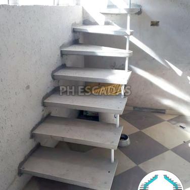 Escada L de 80cm