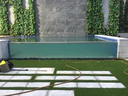 5m glass pool test