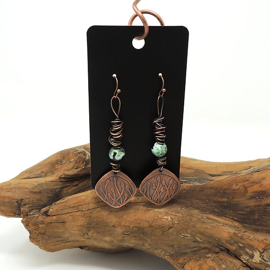 Green Agate and Etched Copper dangle earrings