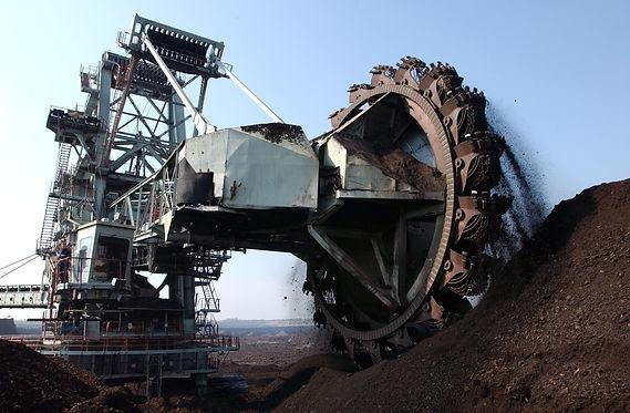 coal excavation on the surface mine.jpg