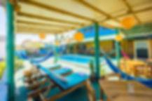piscina vista desde sillas.jpg
