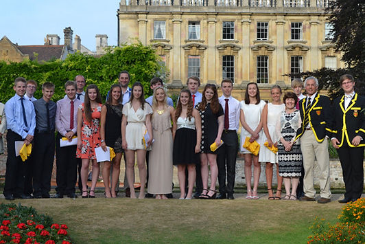 Image of 6th form and staff