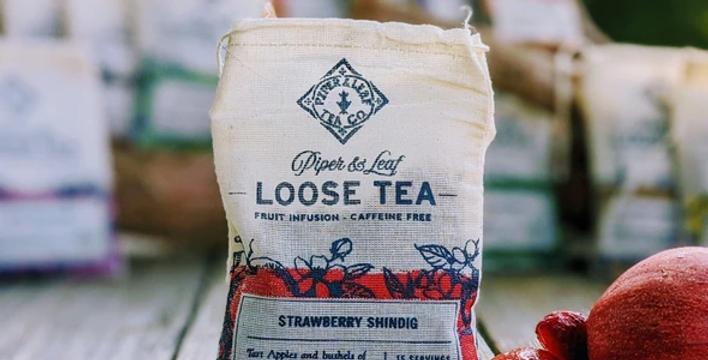 Strawberry Shindig Muslin Bag of Loose Leaf Tea - 15 Servings