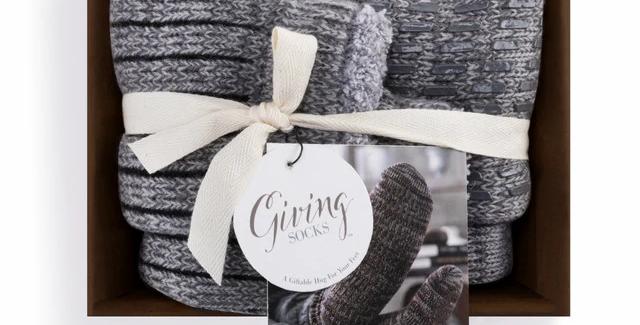 Gray Men's Giving Socks