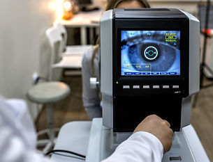 Ophthalmology - ophthalmologist checks t