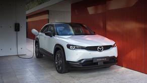 MAZDA MOTOR POLAND uruchomiła Ekodopłatę dla każdego klienta, kupującego elektryczną Mazdę MX-30.