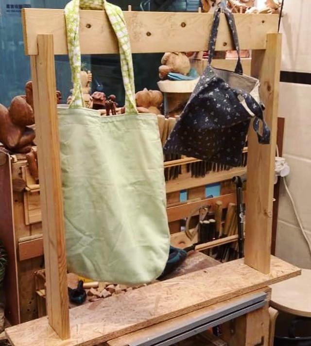 handmade tote bag stand