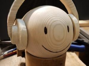 He handmade wooden headphone for emoji figure~