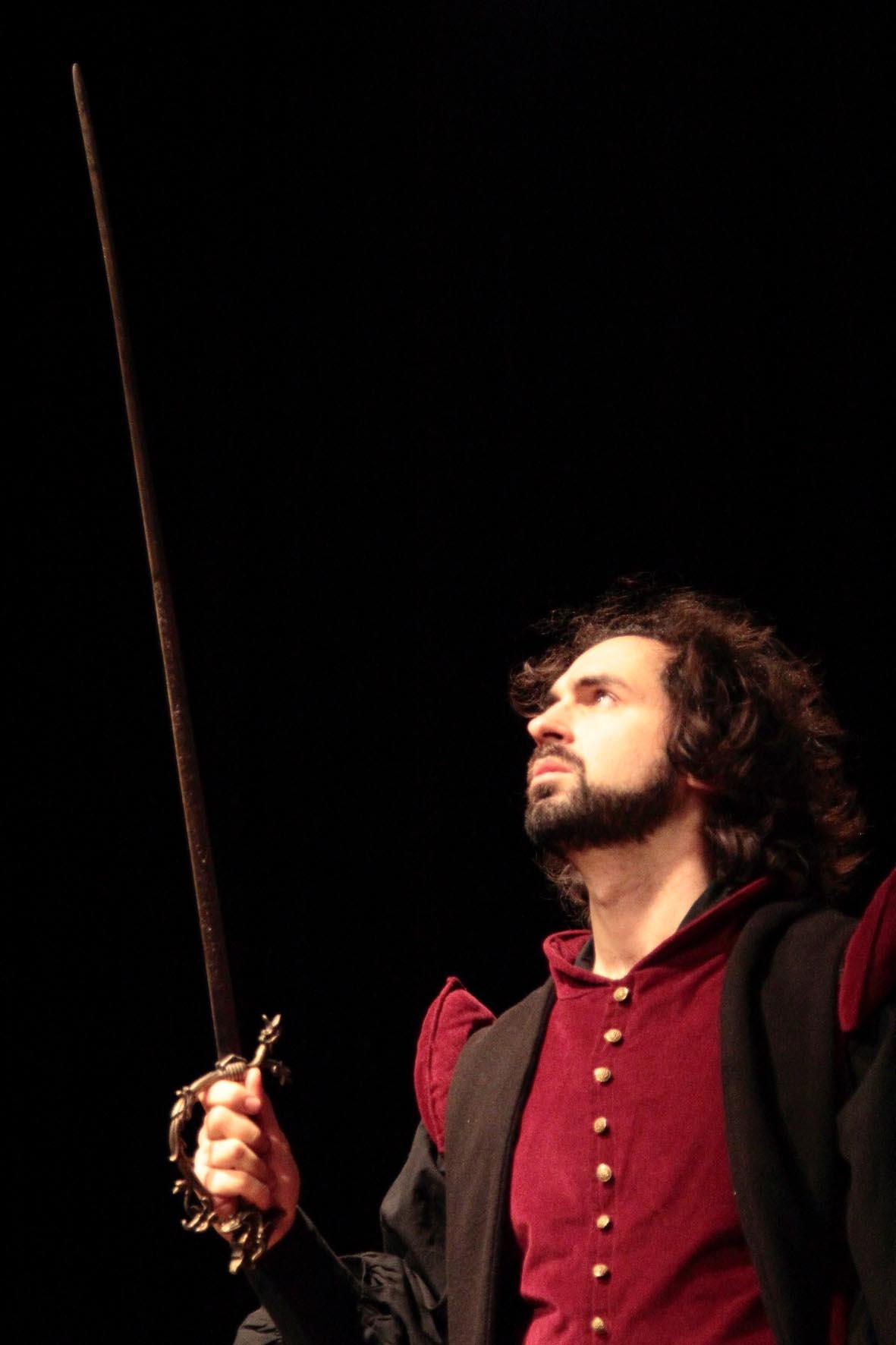 Lorenzo épée.jpg