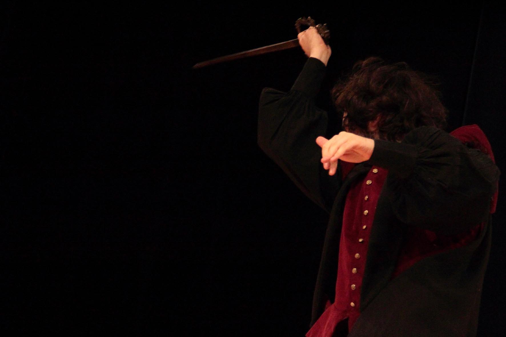 Lorenzo épée desarticulé.jpg