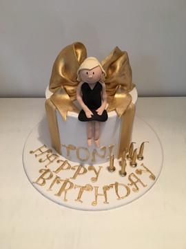 Gold Present Box with Figurine