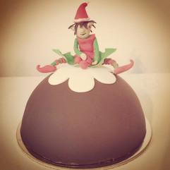 Christmas Pudding Cake with Elf