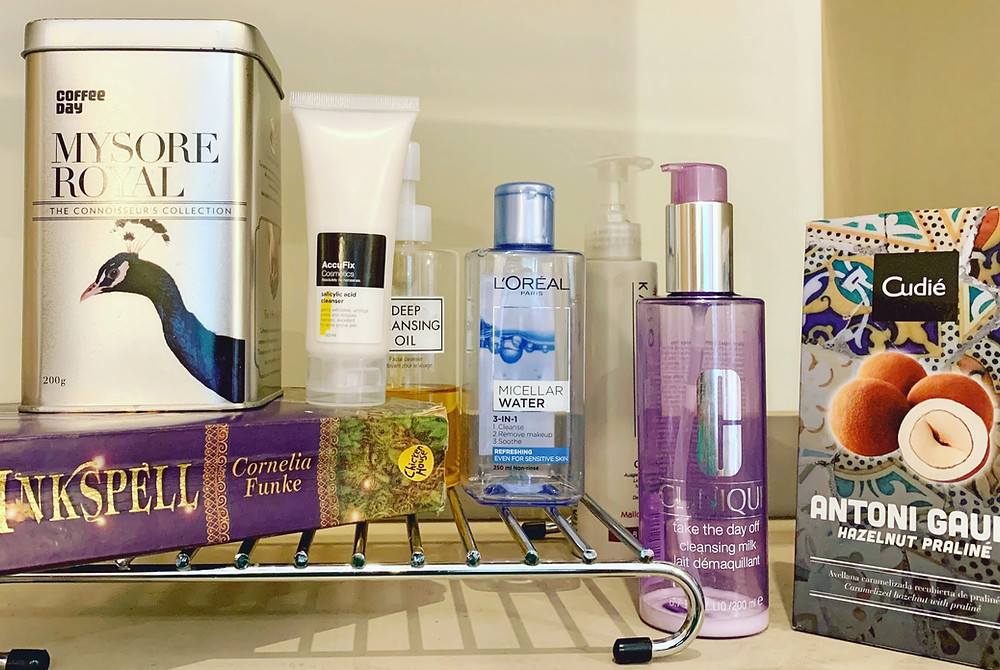 Image showing a range of cleansers of face washes, including AccuFix Salicylic Acid Cleanser, L'Óreal Micellar Water, Clinique take the day off cleansing milk, DHC Deep Cleansing Oil and Kaeso