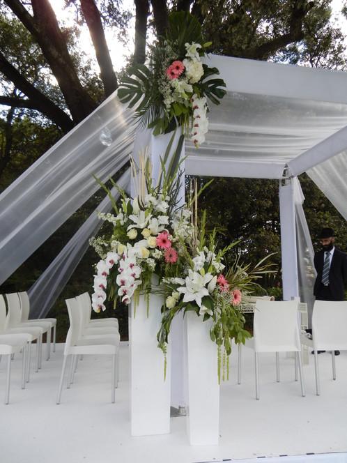 arche m tal carr avec rideaux vente et location d coration mariage montpellier pink event. Black Bedroom Furniture Sets. Home Design Ideas