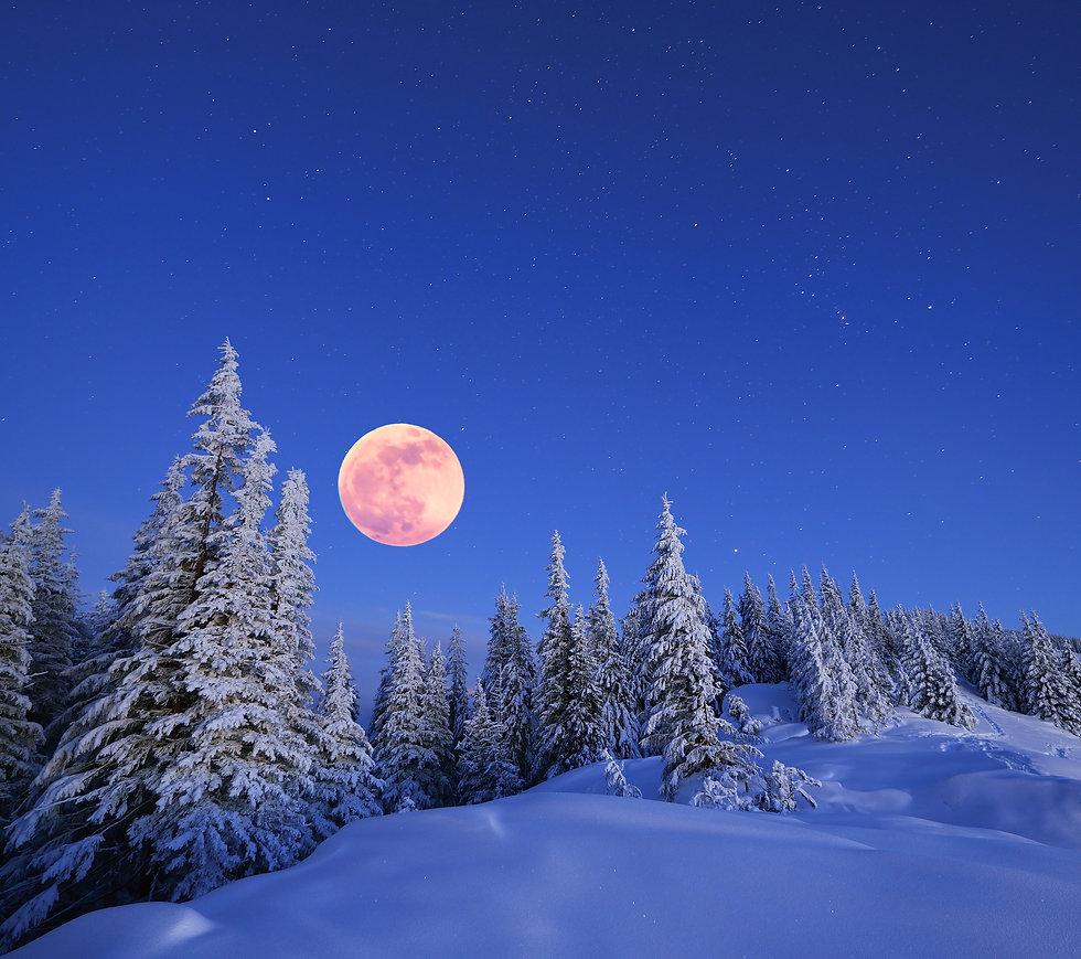 smbigstock-Winter-landscape-in-the-mount