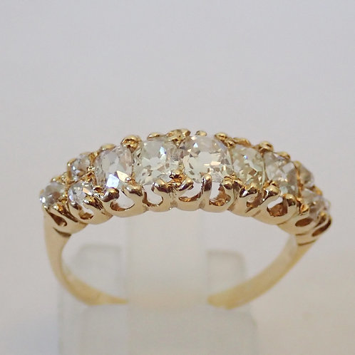 18CT 11 STONE DIAMOND RING