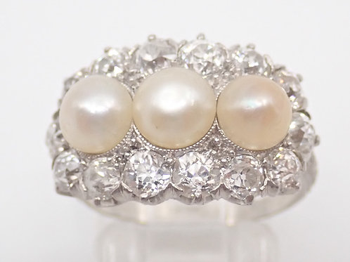 18CT PEARL & DIAMOND RING