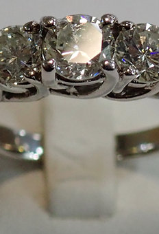 14CT W/G 3 STONE DIAMOND RING