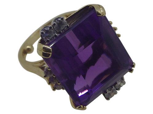 14CT AMETHYST & DIAMOND RING