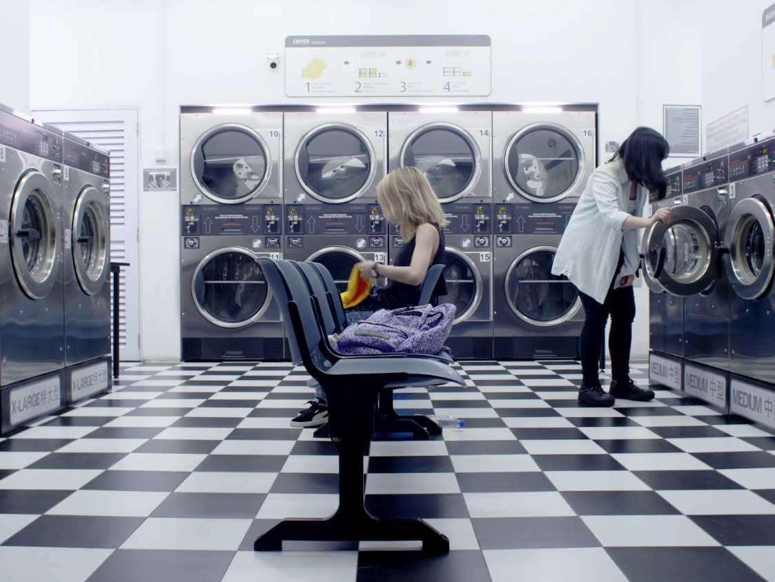 The Mystery at the Laundromat