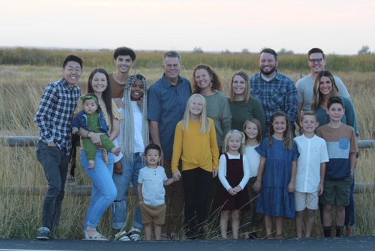 family_pic_2020.JPG