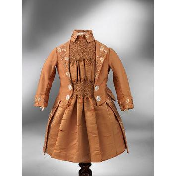Child's dress with smocking V & A Musuem 1890