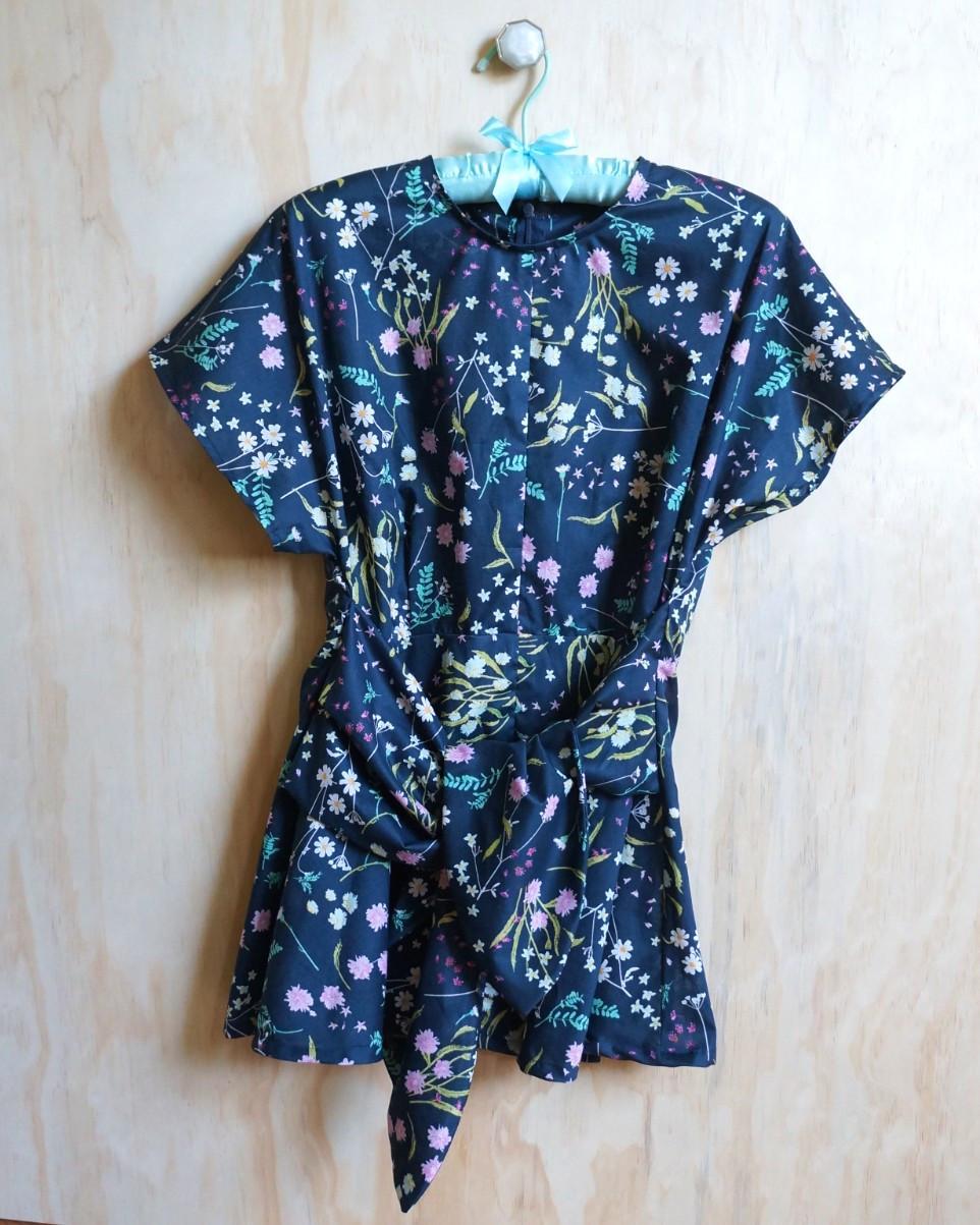 Vogue 9396 tunic sewn in Lavish Cotton Voile| Pink Hollybush Designs