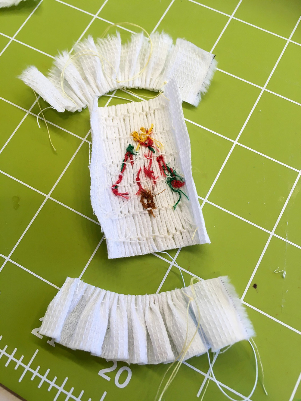Trimmed Smocked Tree Piece