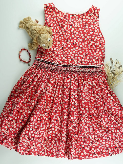 July Flowers Red Garden Gathered Skirt Kit