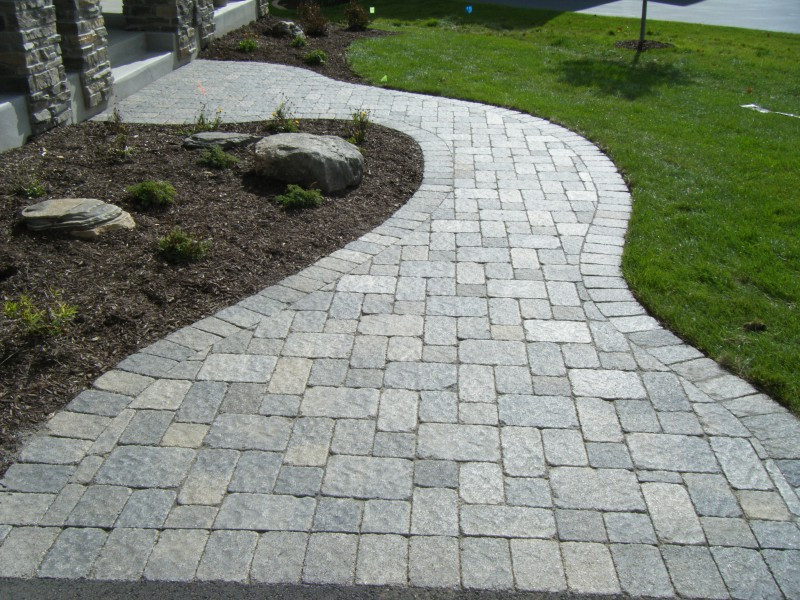 Pavers Luxe Landscapes