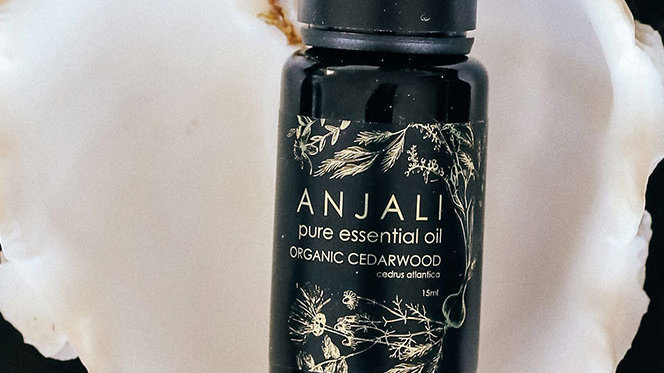 Anjali Cedarwood Atlas - Organic essential oils - 15ml