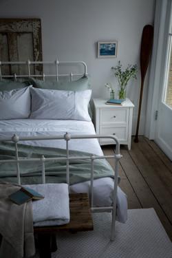 Soak&Sleep coastal bedroom