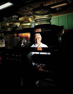 fotografia de retrato editorial por dondyk riga estudio creativo madrid orlando castejon para revista tendencia 63