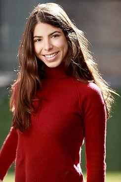 IE Business School chica jersey rojo ret