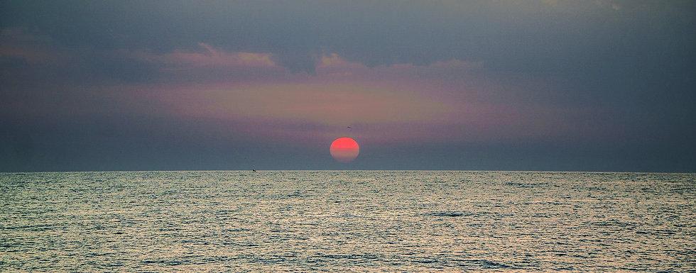 dawn-4518770_1920.jpg
