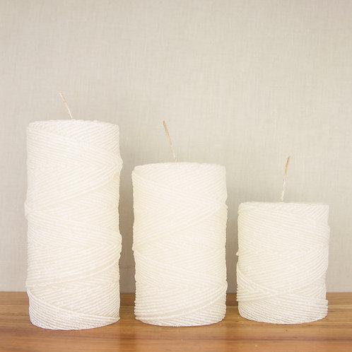 Yarn Pillar in White