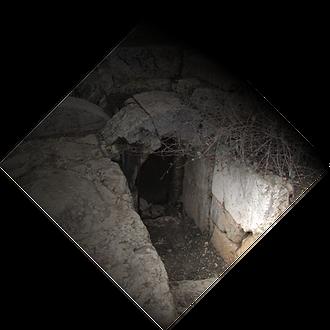 escape room tomb