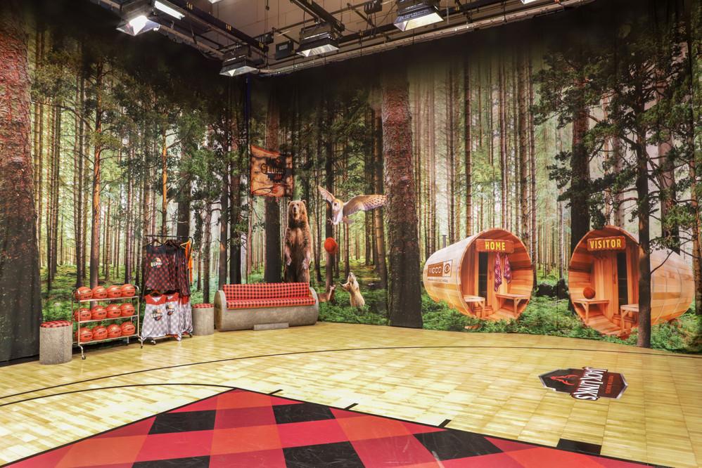 WCCO, Final Four Lumberjam Studio '19