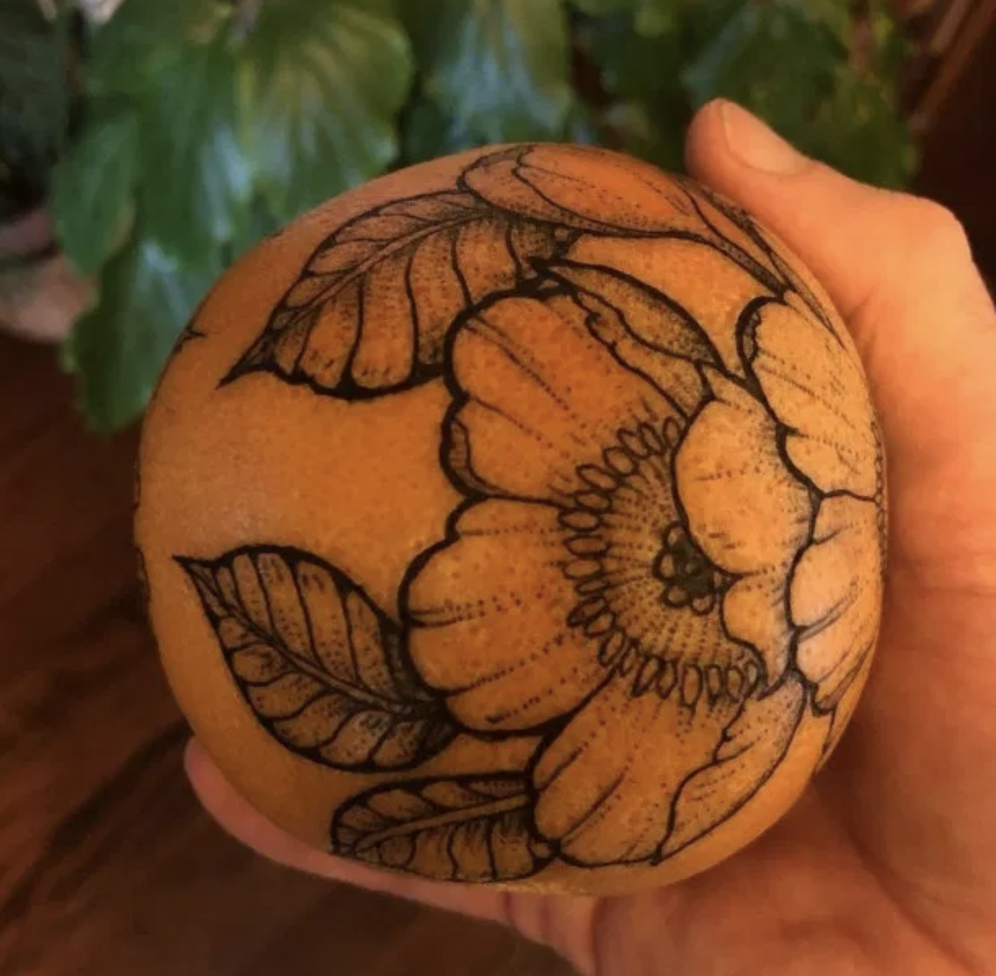 Tatouage sur orange