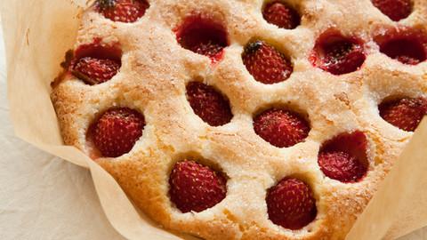 いちごのヨーグルトケーキ