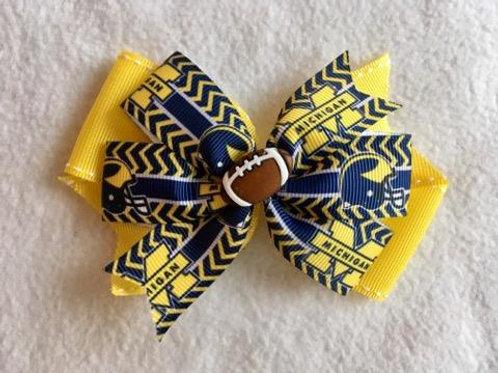 Michigan Wolverines double pinwheel bow