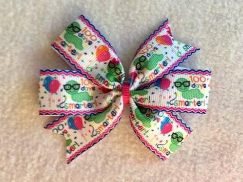 100 Days Smarter mini pinwheel bow